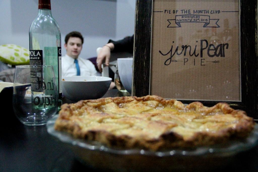 JuniPear Pie | PieoftheMonth.wordpress.com