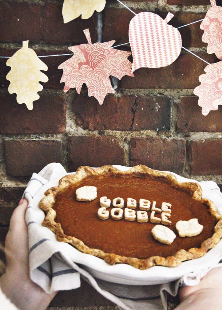 Friendsgiving essentials - Love this pumpkin pie idea