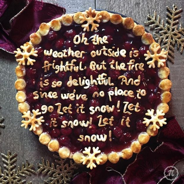 Extravagant Christmas Lyrics Pie - 8 Christmas Pie Crust Design Ideas