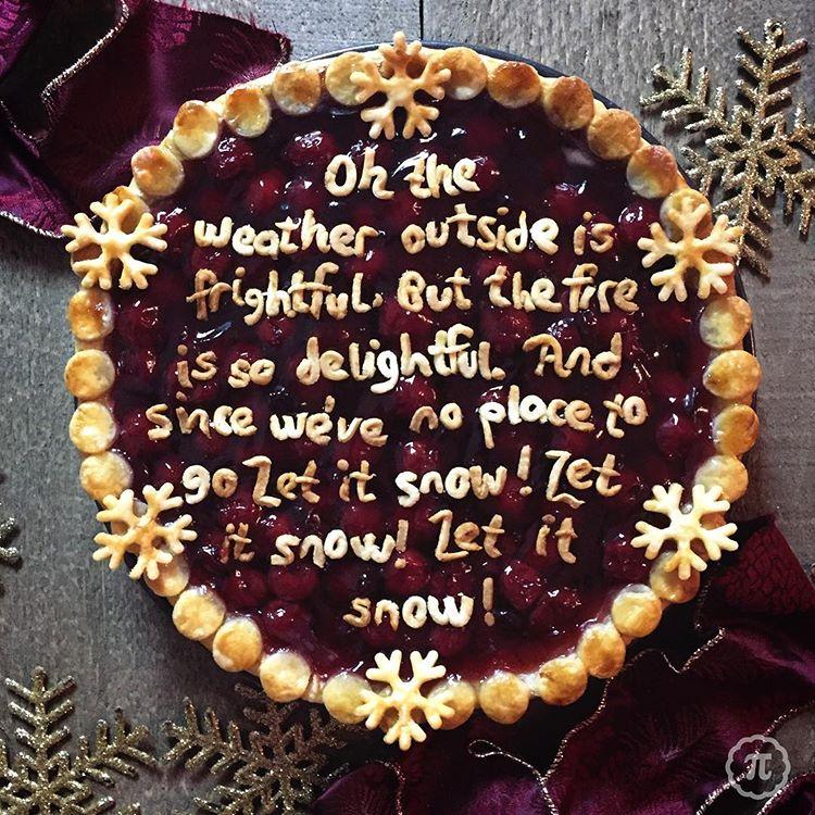 Extravagant Christmas Lyrics Pie - 8 Christmas Pie Crust Design Ideas